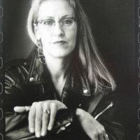 Marie Robertson (1952- )